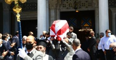 Πανελλήνια συγκίνηση: Το ύστατο χαίρε στο θρύλο Σάββα Θεοδωρίδη