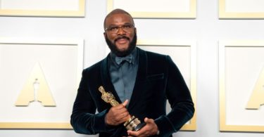 Tyler Perry Thanks His Mom In Impassioned Speech